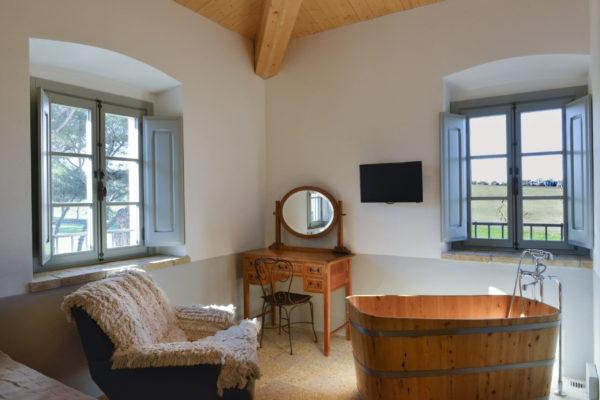 Luxury-Suite-Room-1-stanza-_2_